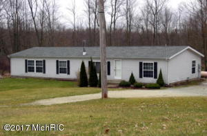 22275 N Angling Road, Centreville, MI 49032