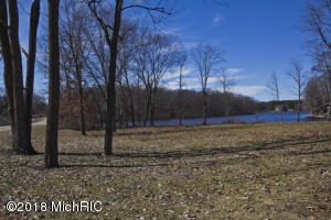 Build your dream home on this lakefront lot, no neighbors on either side because you are on a peninsula