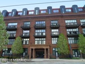 600 Broadway Avenue NW, 216, Grand Rapids, MI 49504