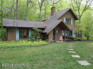 1672 Lake Michigan Drive, Fennville, MI 49408