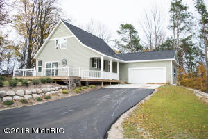 6494 W Summit Retreat Drive, Ludington, MI 49431
