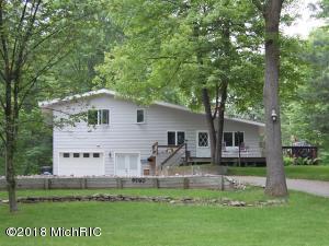 9780 Pere Marquette Drive, Canadian Lakes, MI 49346