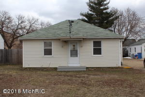 SOLD PRIOR TO BROADCASTCute 2 bedroom, 1 bath home. Well maintained. Newer furnace and water heater. Roof 6 Years old.