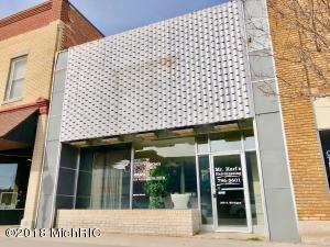 208 S Michigan Avenue, Big Rapids, MI 49307