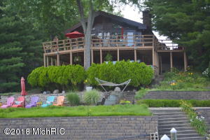 7112 N Maple Drive, Coloma, MI 49038