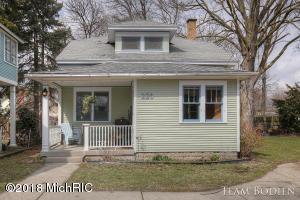 226 Antisdel Place NE, Grand Rapids, MI 49503