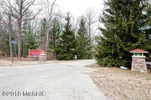 6 Acorn Path, Lakeside, MI 49116