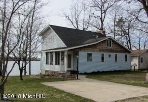 14401 Hicks Lake Drive, Evart, MI 49631