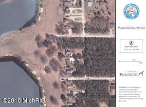 10103 Island Boulevard, Canadian Lakes, MI 49346