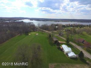 1015 Birdie Drive, Lake Isabella, MI 48893
