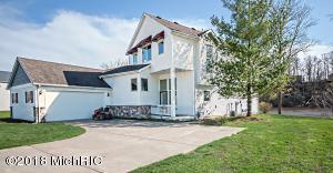586 Swan River Drive, Benton Harbor, MI 49022