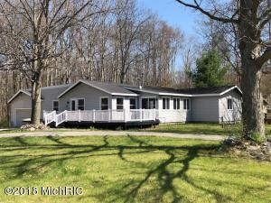 11198 E Royal Road, Canadian Lakes, MI 49346
