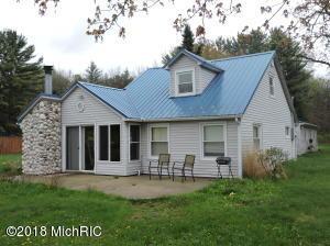 10727 Riverview Drive, Big Rapids, MI 49307