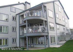 80 Woodman 3, South Haven, MI 49090