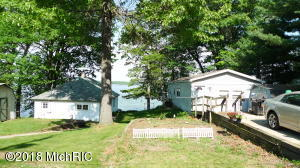 1105 1109 E Hess Lake Drive, Grant, MI 49327
