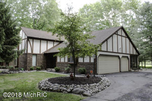 6734 Beechnut Court, Canadian Lakes, MI 49346