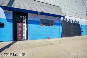 978 Pine Street, Muskegon, MI 49442