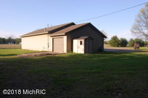 4300 Belair Road, Houghton Lake, MI 48629
