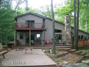 9225 Strawberry Lake Drive, Evart, MI 49631