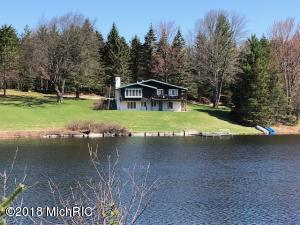 1501 Badgley Road, Vanderbilt, MI 49795