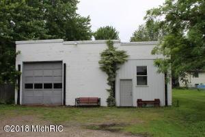 212 Cherry Street, Hopkins, MI 49328