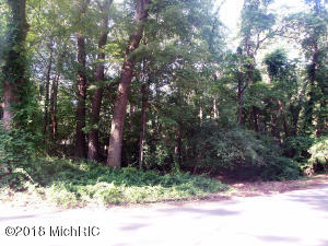 402 Dreamwold Way, Michiana Shores, IN 46360