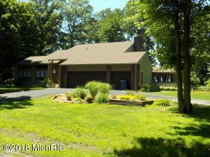 4486 Greenwood Drive, Benton Harbor, MI 49022