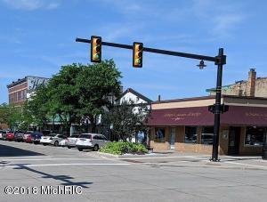 251 Center Street, South Haven, MI 49090