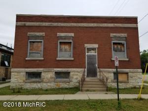 600 W Clay Avenue, Muskegon, MI 49440