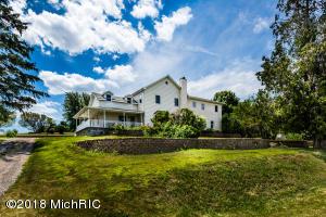 384 E Hinchman Road, Berrien Springs, MI 49103