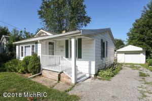 304 Sherwood Street, Three Oaks, MI 49128