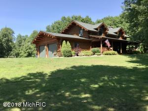 6650 W Sugar Grove Road, Ludington, MI 49431