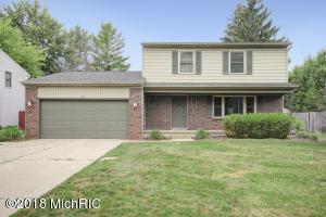 4225 Holyoke Drive SE, Grand Rapids, MI 49508