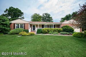 2717 Highland Court, St. Joseph, MI 49085