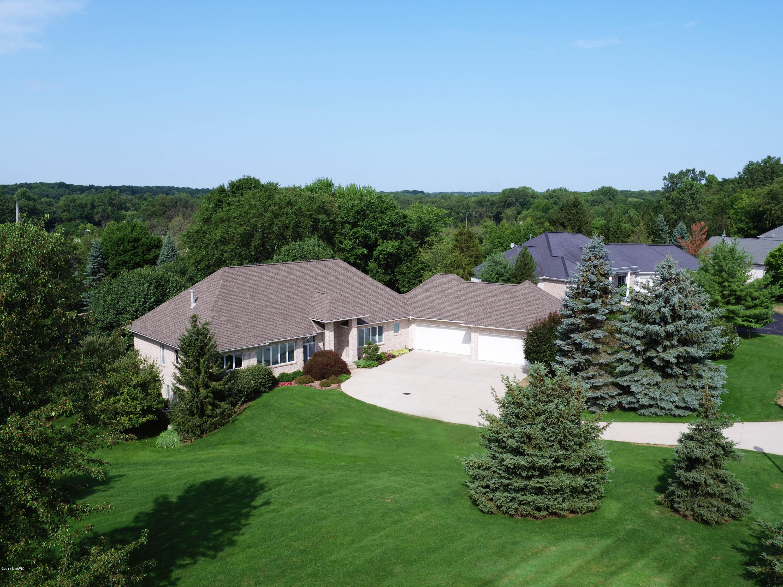 2322 Cascade Lakes Circle SE, Grand Rapids, MI 49546