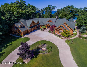 9351 S Indian Hills Road, Montague, MI 49437