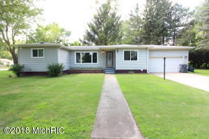1631 E Empire Avenue, Benton Harbor, MI 49022