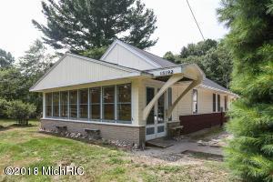 15192 Lakeside Road, Lakeside, MI 49116