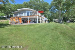 2649 E White Lake Drive, Twin Lake, MI 49457