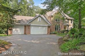 Welcome Home to Bear Creek Estates! A beautiful established Rockford neighborhood