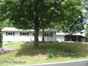 10134 Bair Lake Street, Three Rivers, MI 49093