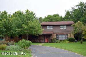 408 Fairfield Drive, Dowagiac, MI 49047
