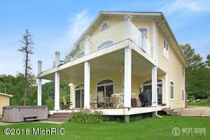 Beautiful 2008 Lake Home