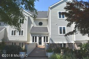 1804 Lake Shore Drive, 15, St. Joseph, MI 49085