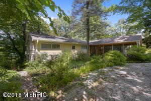 15236 Lakeshore Road, Lakeside, MI 49116