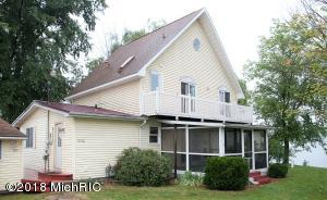 5372 Lake Shore Drive, Weidman, MI 48893
