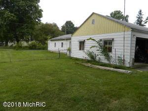 207 Southeastern Ave, Galien, MI 49113