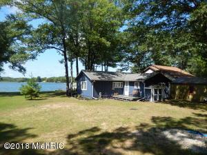 15821 Pretty Lake Drive, Mecosta, MI 49332
