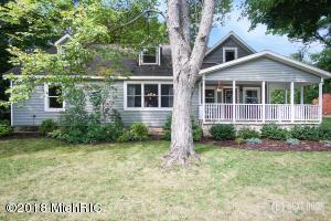 1351 W Lake Drive, Fremont, MI 49412