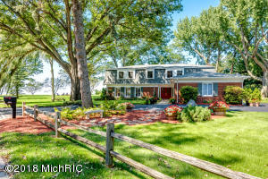 2727 Lake Bluff Terrace, St. Joseph, MI 49085